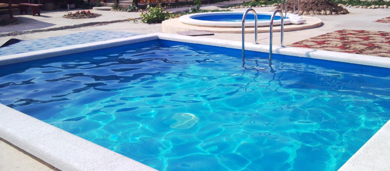 Чистка бассейнов в Уфе