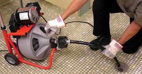Обслуживание канализации, устранение и прочистка засоров канализации в трубах в Уфе